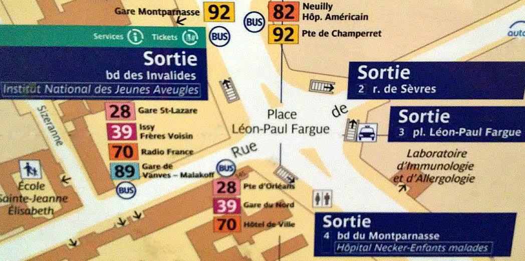 Paris metro sortie, exit, Duroc
