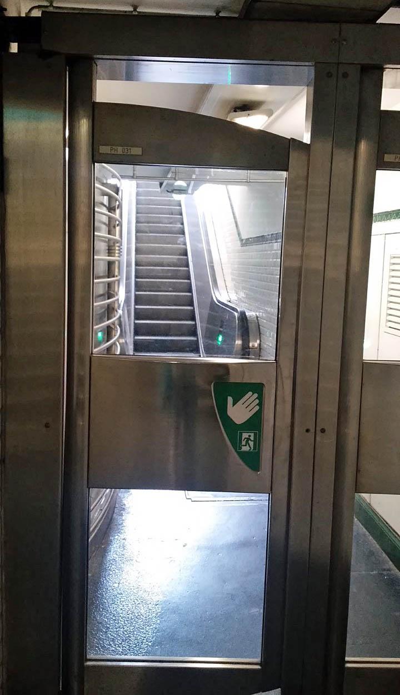 パリ 地下鉄 メトロ