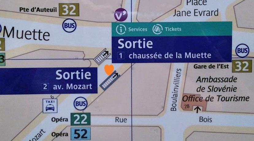 Paris metro sortie, exit, La Muette