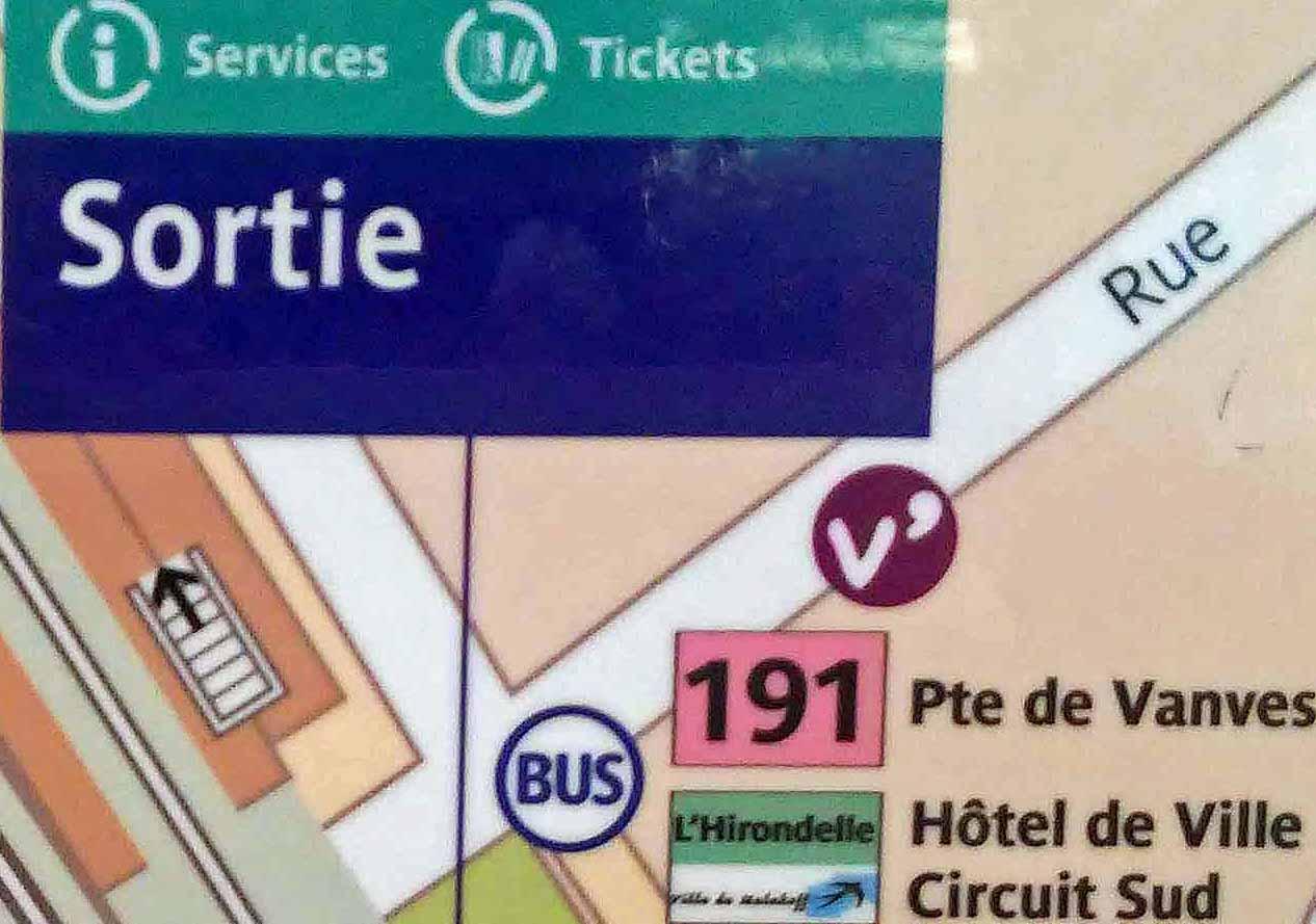Paris metro sortie, exit, Malakoff Rue Etienne Dolet