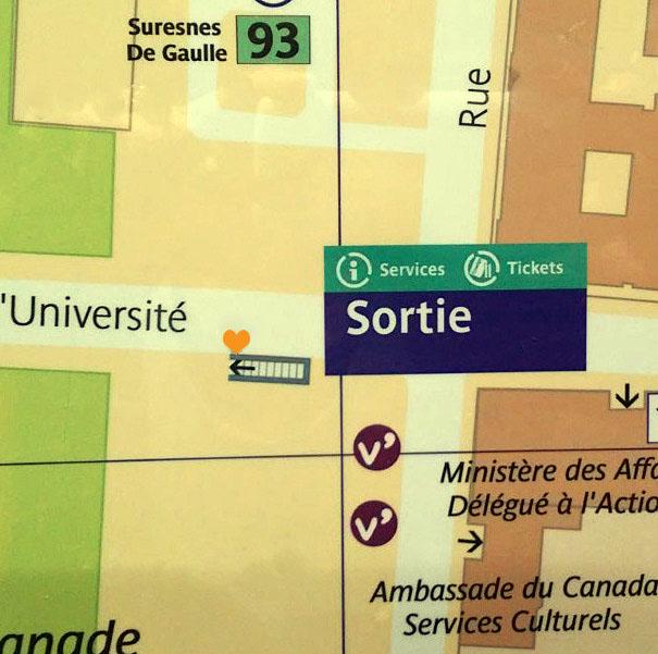 Paris metro sortie, exit, Invalides